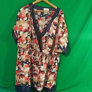 Chelsea studio 1x floral v neck blouse